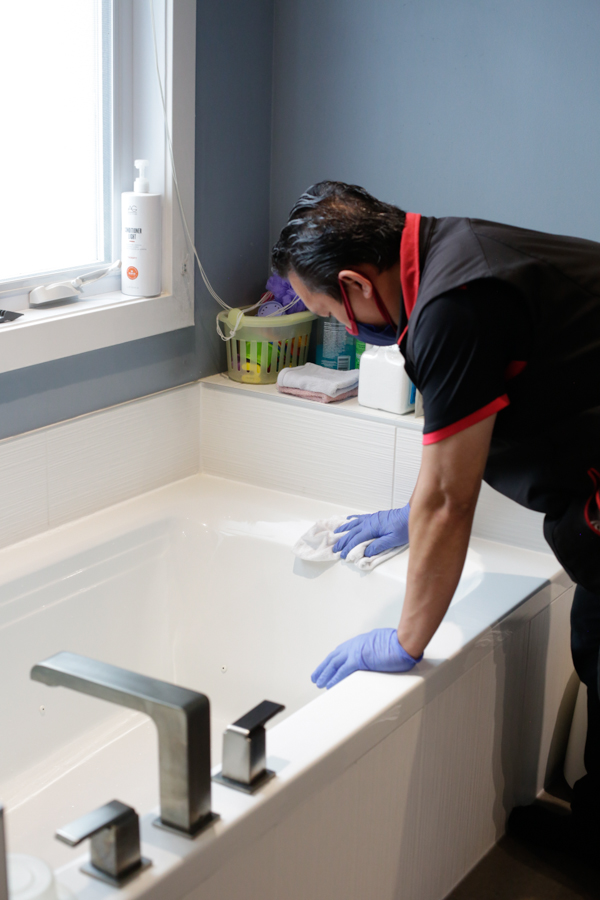 Bathroom Move-in Residential Cleaning, Bathroom Move Out Residential Cleaning by Mango Maids in Edmonton & Calgary